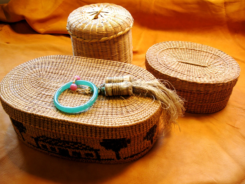 Basket Weaving With Raffia : Weaving